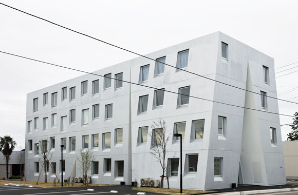 One-Roof-Apartment-by-Akihisa-HIrata-Yoshihiko-Yoshihara01